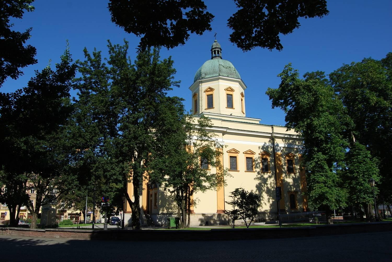 Kosciol-Garnizonowy-Radom1